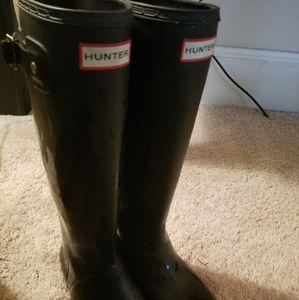 Black Hunter rainboots gently worn size 6 women